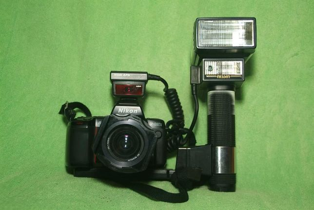 NIKON F801-S + Lente 35-70mm + Flash Nissin Professional TTL