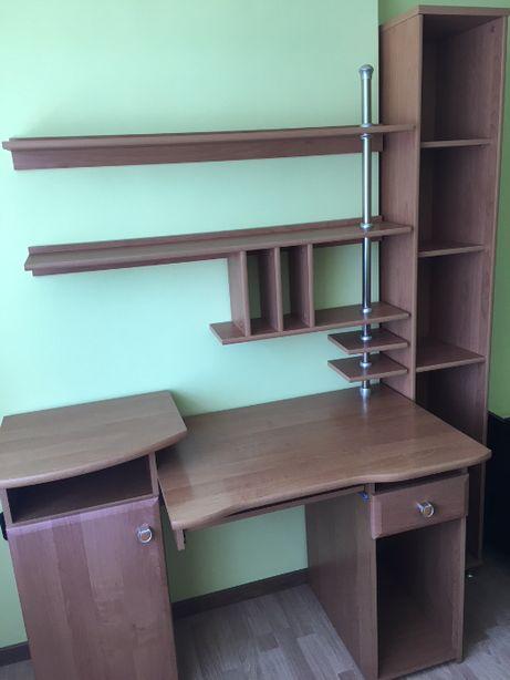 Komplet biurowy (szkolny) : biurko, półki, regał na książki