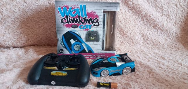 Антигравитационная машинка WALL CLIMBING