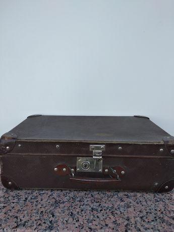 Stary kufer walizka