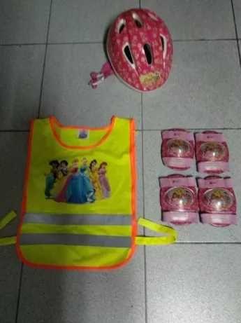 Capacete criança, proteção cotovelos e joelhos Winx + colete Disney