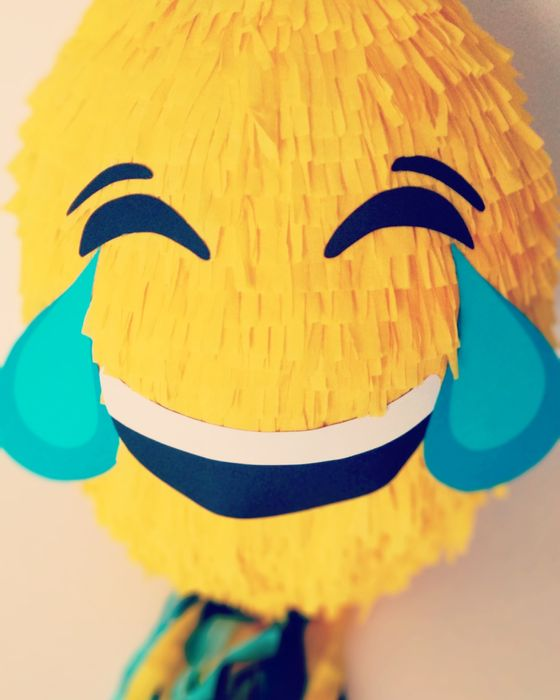 Piniata emotka Emoji Kraków - image 1