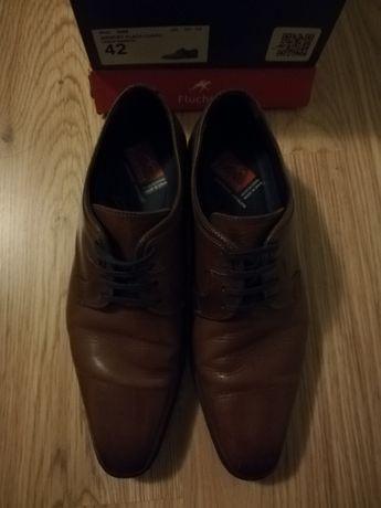 Sapatos Fluchos de pele