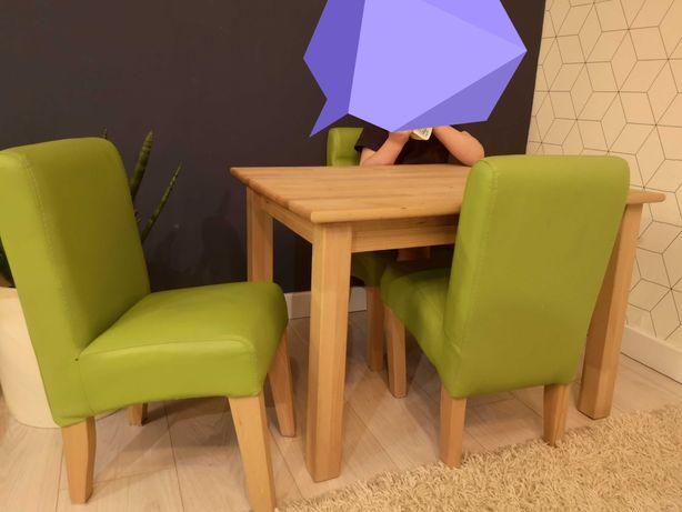 Stół i cztery krzesełka dla dzieci