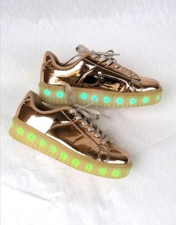 Кеды River Island кроссовки светящиеся на платформе с подсветкой