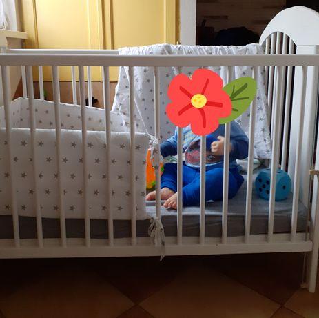 Łóżeczko dziecięce 120×60 +materac Fiki Miki+ochraniaczek