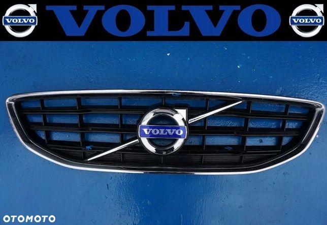 VOLVO V40 - GRILL atrapa chłodnicy