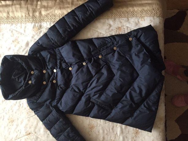Женское зимнее пальто с капюшоном, состояние нового, размер 44