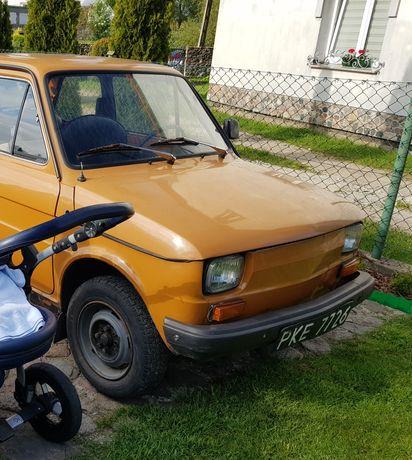 Fiat 126p. 1982r. Maluch. Kapliczka. Czarne tablice. Dokumenty.