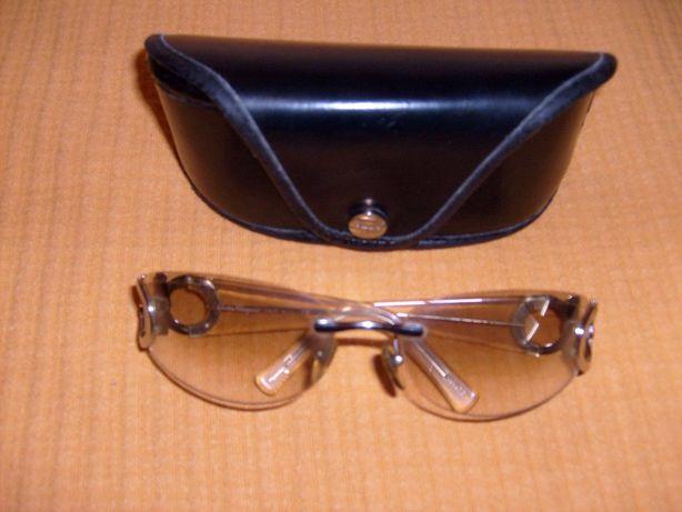 Óculos de Sol claros da marca Salvador Ferragamo