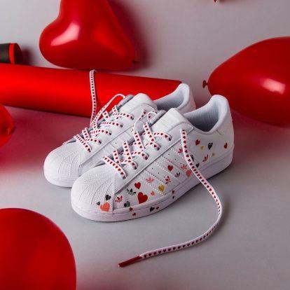 Nowe buty Adidas Superstar z serduszkami roz 36