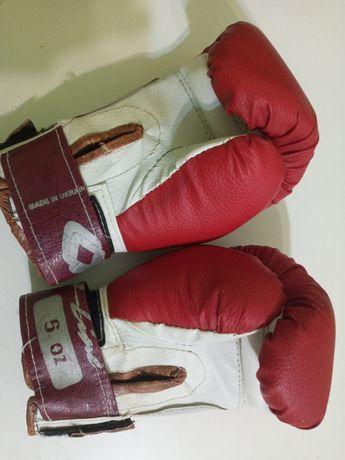 Боксерские перчатки на 6-7 лет