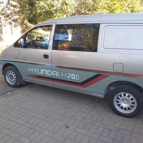 HYUNDAI H200 2003 г.в.