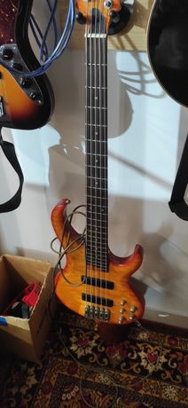 Бас гитара Ibanez BTB 405 QM