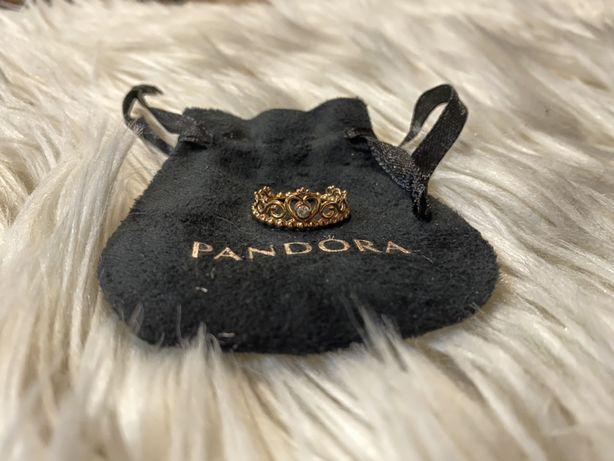 Anel Pandora Rose Tiara