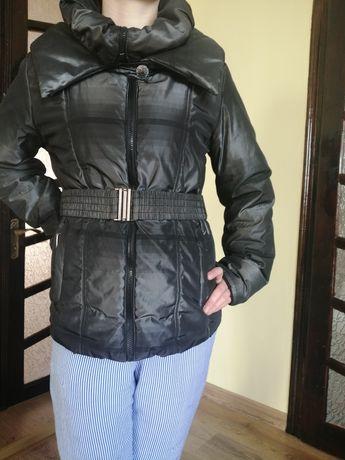 Курточка жіноча, пуховик