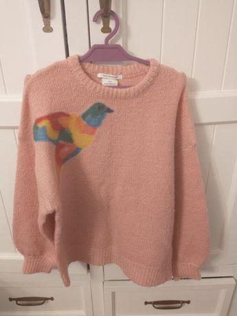 Zara pudrowy luźny sweterek z ptaszkiem 128 zadbany