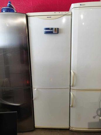 Холодильник  Snaige в  хорошому стані   180 см висота