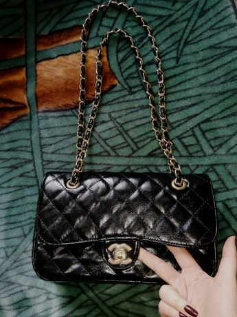 Женская сумка на цепочках