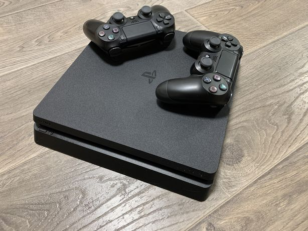 PlayStation 4 Slim 500GB / PS4 + 2 DualShock 4 v2 + Аккаунт С Играми