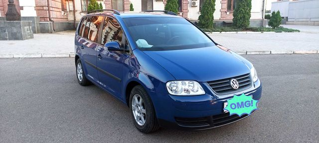 Volkswagen Touran 1.6 FSI  MT 2003