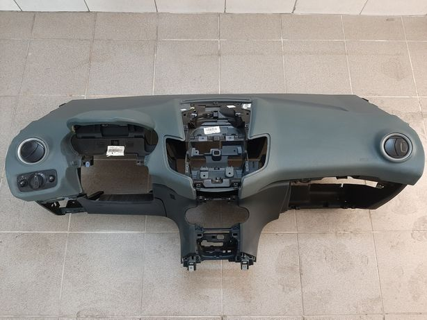 Deska oryginalna Ford Fiesta mk7  kompletna nie naprawiana