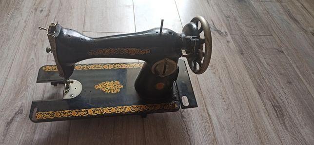 Швейна машинка на запчастини