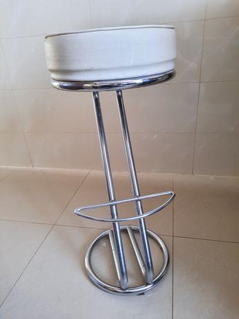 2 hokery, krzesła barowe
