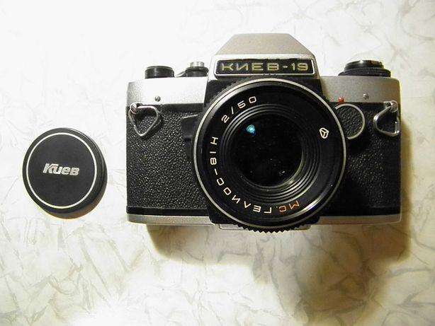 Фотоаппарат пленочный КИЕВ-19
