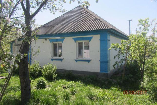 Продам дом в п.г.т. СРЕБНОЕ (180 км.от Киева)