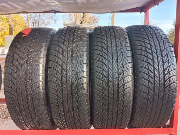 Продам зимние шины, Bridgestone Blizzak LM-001 215/65 R17, 2020-18года