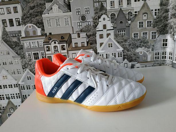 Кроссовки, футзалки, сороконожки Adidas