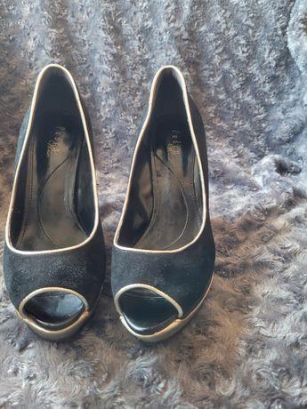 Sapatos pouco usados n 36