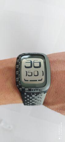 Relógio Swatch Touch Skull