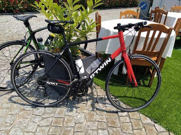 Bicicleta  guiador reto b'twin 520 roda 28 +rolo de treino
