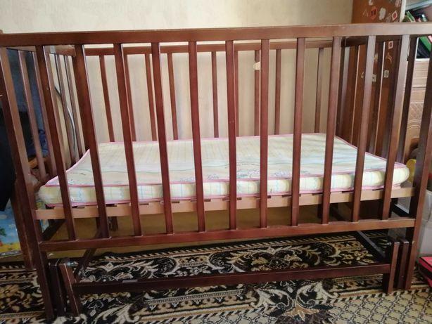 Дитяче ліжечко від 0 до 3