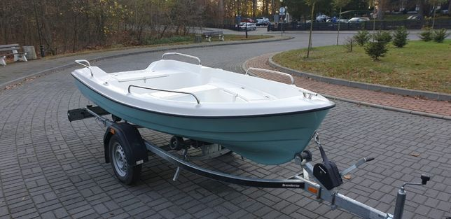 Łódka wędkarska 360