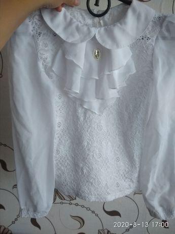 Блуза 146р. На дівчинку