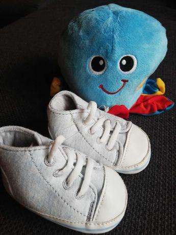Nowe buciki niechodki jasno niebieskie