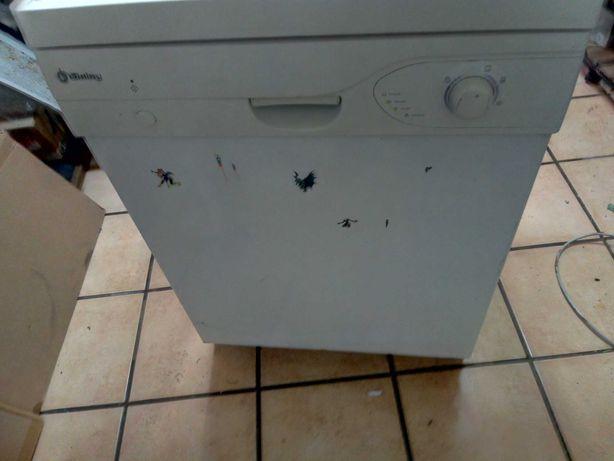 Máquina de Lavar Louça a Funcionar muito Bem