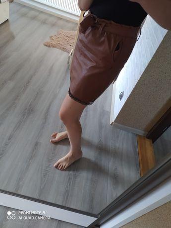 wiązana spódniczka skajka rozmiar M brązowa