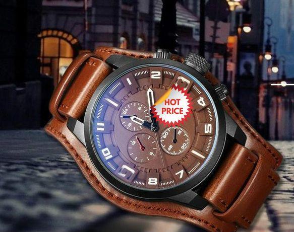 Relógio com bracelete em pele