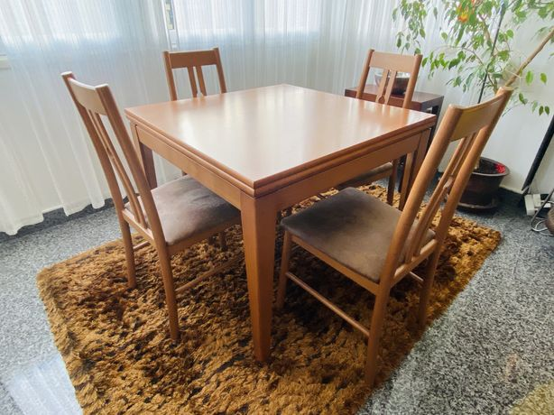Mesa de Sala em cerejeira com 4 cadeiras