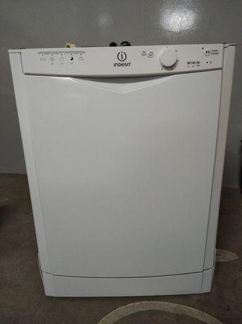 Maquina de lavar louça Indesit DFG 15B10 EU (para peças)