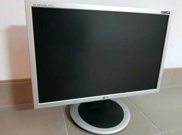 Monitor LG FLATRON L204WT-SF bardzo mało używany
