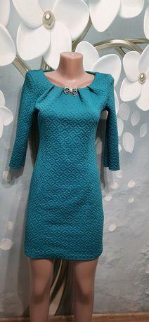 Продам платье размер М
