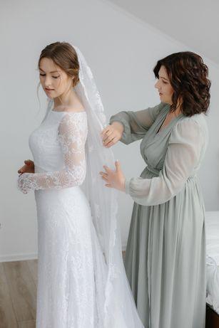 Свадебное платье . Белое свадебное платье кружевное шантилье и атлас