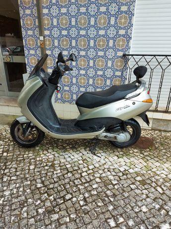 Moto Peugeot automatica 50cc