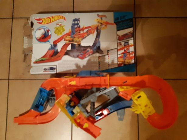 Hot Wheels - Flame Fighters
