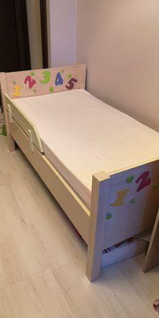 Łóżko drewniane dziecięce z prawie nowym materacem 70x140